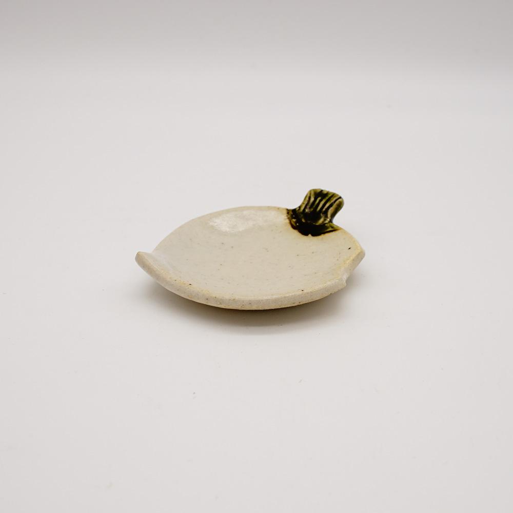 LE-28 織部根上かぶ 箸置小皿